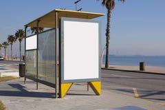 在风雨棚的空白的广告 免版税图库摄影