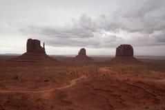 在风暴之前的纪念碑谷 免版税库存照片