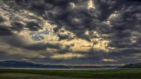 在风暴前的天空 库存图片
