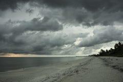 在风暴前的日落在博尼塔斯普林斯 库存图片