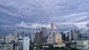 在风暴前的曼谷市2017年5月17日 库存图片