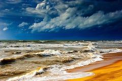 在风暴前的海洋 库存照片