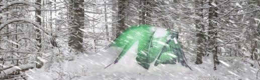 在风暴以后的帐篷 库存照片