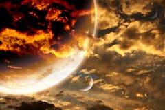在风暴天空和外籍人行星的日落 图库摄影