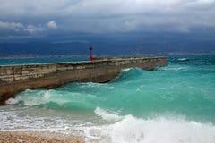 在风暴期间的码头 库存图片