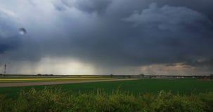 在风暴期间的闪电在乡下 影视素材