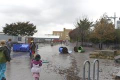在风暴桑迪以后的码头 库存图片