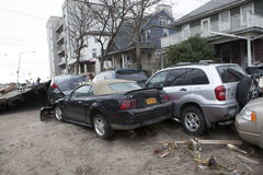 在飓风桑迪以后的失败的汽车在10月 免版税图库摄影