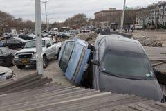 在飓风桑迪以后的失败的汽车 免版税图库摄影