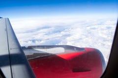 在飞机上的天空和云彩视图 库存图片