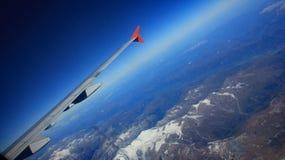 在飞机的保护下 库存图片