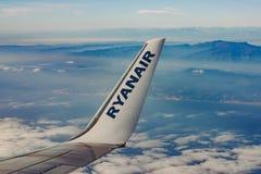 在飞机的瑞安航空公司商标 免版税图库摄影