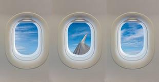 在飞机的窗口 免版税图库摄影