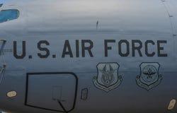 在飞机身体的美国空军队商标 库存照片
