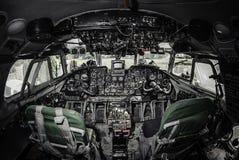 在飞机驾驶舱里面 免版税图库摄影