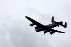 在飞行中兰卡斯特轰炸机 免版税库存照片