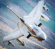 在飞行中喷气式歼击机 图库摄影