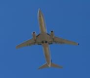 在飞行中客机 库存图片