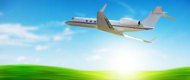 在飞行中私人喷气式飞机 免版税图库摄影