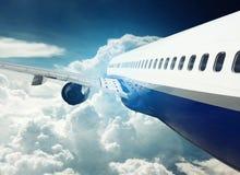在飞行中飞机 库存图片