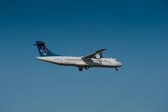 在飞行中ATR 42/72班机 库存图片