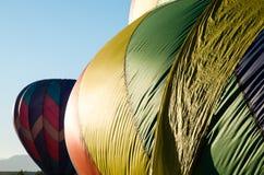 在飞行中durning节日的热空气baloons 库存照片