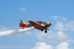 在飞行中Warbird AT6德克萨斯人 库存照片