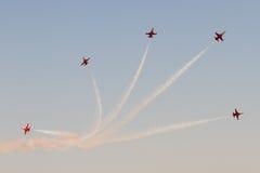 在飞行表演的土耳其飞机形成 库存照片