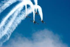 在飞行表演的形成飞行 免版税图库摄影
