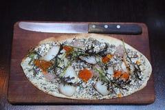在食家餐馆供食的花梢海鲜开胃菜 免版税库存照片