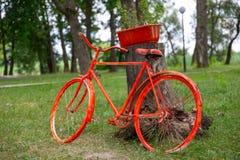 在餐馆内部的自行车 图库摄影
