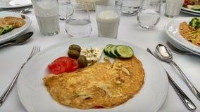 在餐馆吃一顿健康早餐 免版税库存照片