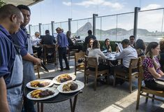 在餐馆的巴西churrasco有看法 库存图片