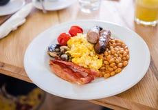 在餐馆的英式早餐 免版税库存图片