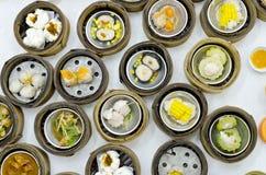 在餐馆的Dimsum中国食物 库存图片