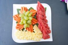 在饭食以后的混合果子 免版税库存照片