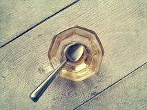 在饮料以后的空的咖啡杯 库存图片