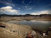 在香格里拉附近的美丽的湖在云南 免版税库存照片