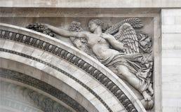 在香榭丽舍大街的凯旋门 雕塑装饰 库存照片