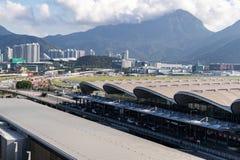 在香港国际机场的飞机着陆 库存照片