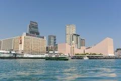 在香港尖沙咀的传统绿色客船  免版税库存照片