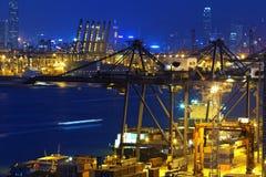 在香港港的集装箱船  库存图片