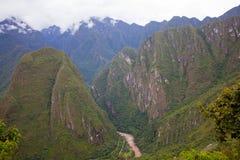 在马丘比丘附近的安第斯山脉 库存图片