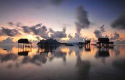 在马伊加海岛Semporna沙巴的日出 免版税库存照片