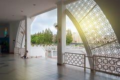 在马六甲海峡清真寺里面 库存图片