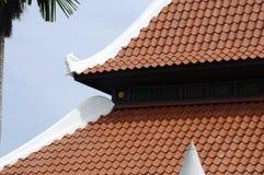 在马六甲,马来西亚顶房顶Masjid Kampung斛律细节  免版税库存照片