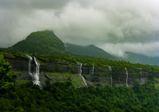 在马哈拉施特拉,印度的瀑布 库存图片