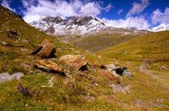 在马塔角和Schwarzsee附近的瑞士阿尔卑斯 免版税库存照片