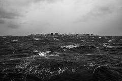 在马尔代夫islans的热带季风风暴 免版税库存照片