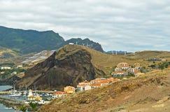 在马德拉岛海岛,葡萄牙上的村庄 免版税图库摄影